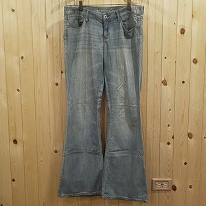 American Eagle Real Flare Blue Jeans size 8